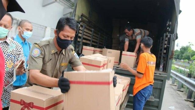Update Bansos DKI Jakarta: 100.323 Paket Didistribusikan ke 14 Kelurahan (23018)
