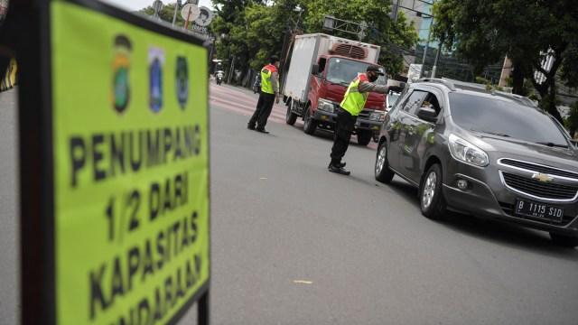 Ada PSBB Ketat Jawa-Bali, Ini Aturan Bepergian dengan Mobil Pribadi (69444)