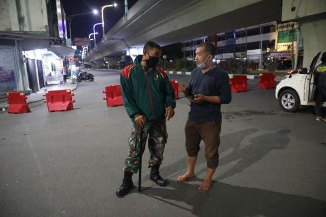 Wartawan dan Virus Jahanam: Sebuah Jalan Tengah  (14630)
