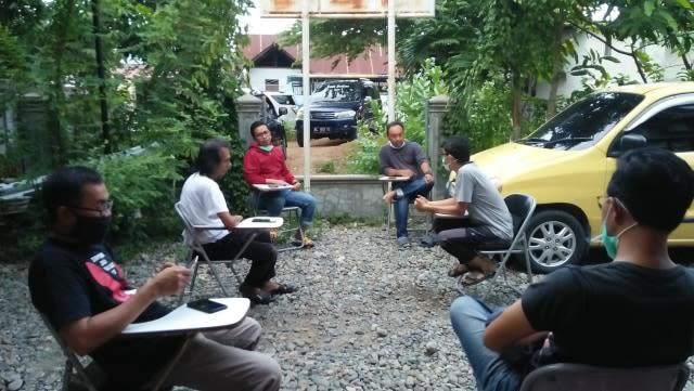 Wartawan dan Virus Jahanam: Sebuah Jalan Tengah  (14634)