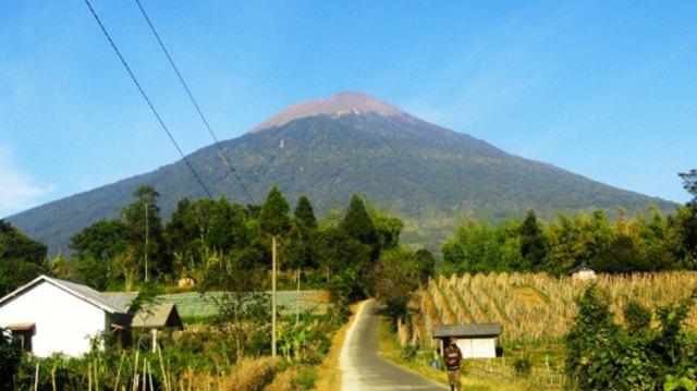 Waspada, 5 Gunung Api di Jawa Berstatus Level II (145818)