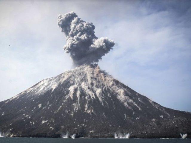Waspada, 5 Gunung Api di Jawa Berstatus Level II (145815)