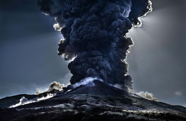 Apakah Erupsi Gunung Anak Krakatau Ada Kaitannya dengan Erupsi 5 Gunung Lainnya? (273803)