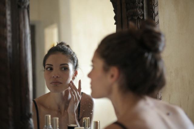 5 Langkah Makeup Natural Hanya dalam 5 Menit (30416)