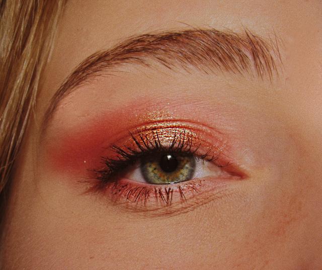 5 Langkah Makeup Natural Hanya dalam 5 Menit (30419)