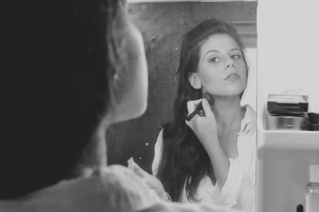 5 Langkah Makeup Natural Hanya dalam 5 Menit (30417)