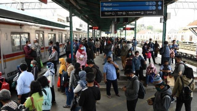 Pantauan hari pertama PSBB di Stasiun Bogor