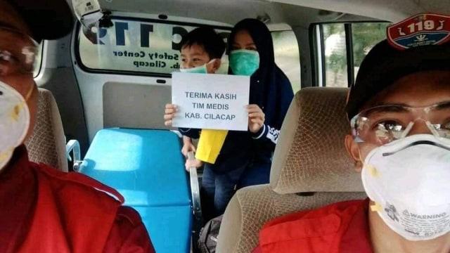 Video Haru Penyambutan Bocah 4 Tahun di Cilacap yang Sembuh dari COVID-19 (135480)