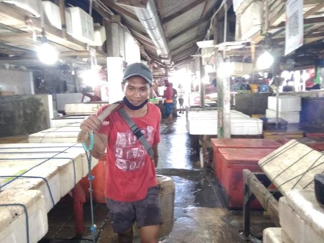 Cerita Pedagang Ikan di Kedonganan, Bali, yang Kini Merugi karena Wabah COVID-19 (28354)