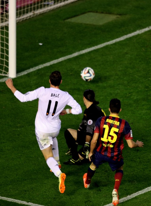 Gol Gareth Bale di Final Copa del Rey 2014 Masih Bikin Marc Bartra Trauma (737773)