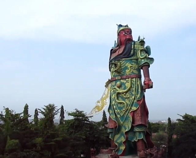 Di Kelenteng Kwan Sing Bio Patung Dewa Tertinggi Se-Asia Tenggara Berdiri (4959)