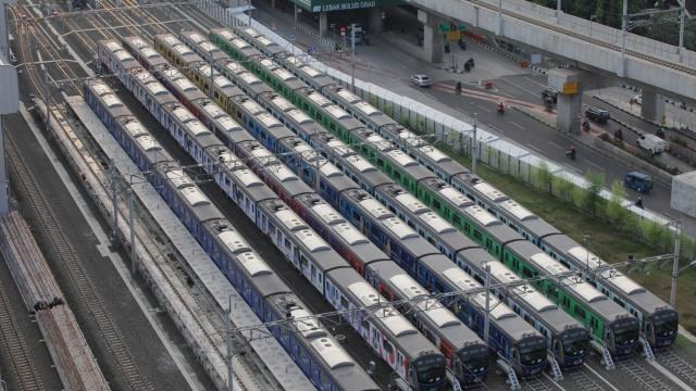 Mulai Senin, 3 Agustus, MRT Akan Beroperasi hingga Pukul 22.00 (1074916)