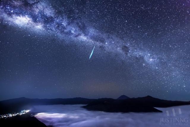 Hujan Meteor Lyrid Terjadi Malam Ini Sudah Diamati Sejak 2 700 Tahun Lalu Kumparan Com