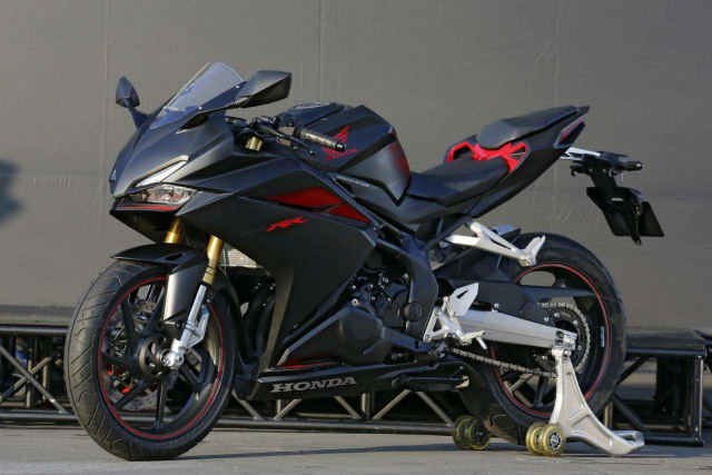 Honda CBR250RR Lawas Bisa Dipasangi Quick Shifter? (127615)