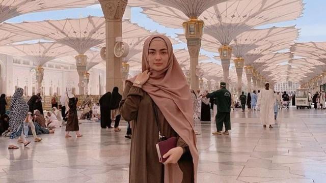 Profil Imel Putri Cahyati, Mantan Istri Sirajuddin Mahmud (218601)