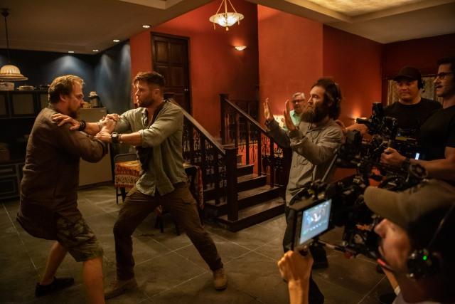 Review Extraction: Gak Nyangka Chris Hemsworth Bisa Bertarung Seperti Iko Uwais  (122041)
