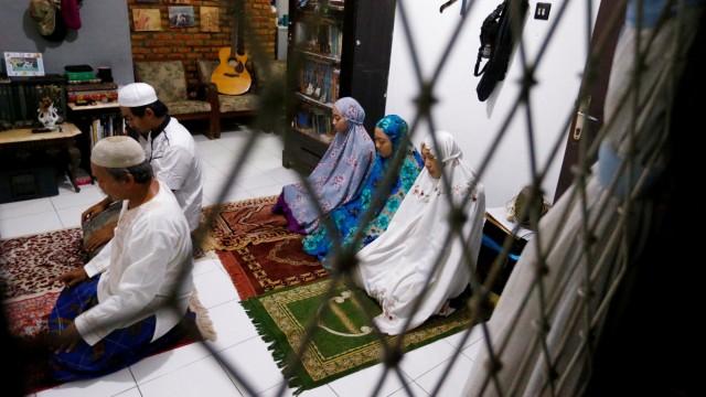 Tidak Usah Ragu Salat Tarawih di Rumah, Begini Hukumnya dalam Islam (84877)
