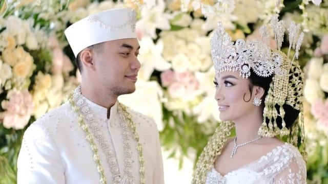 Zaskia Gotik Usai Menikah Resmi secara Negara: Alhamdulillah Punya Buku Nikah (75814)