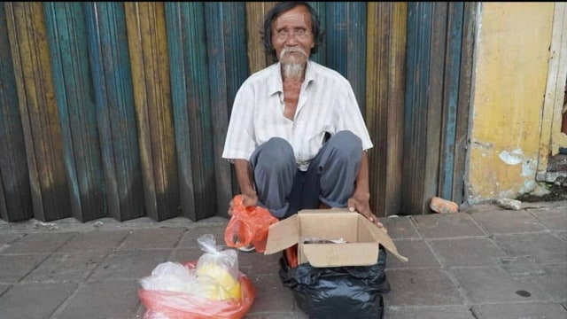 Kisah Penjual Donat Tinggal di Rumah Kumuh Dapat Donasi Rp 70 Juta dalam Sehari (10359)