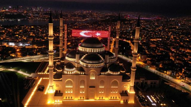 Kendalikan Penyebaran Corona, Turki Berlakukan Jam Malam (112194)