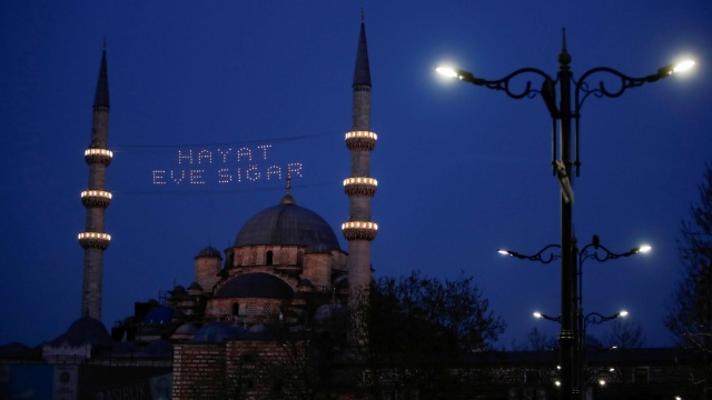 Kasus Corona Melonjak, Turki Buka Opsi Lockdown Total Sepanjang Ramadhan (15091)