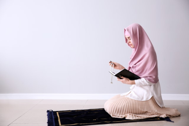 5 Ibadah Yang Tetap Bisa Dilakukan Saat Haid Di Bulan Ramadhan Kumparan Com
