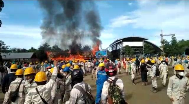 Aksi Buruh PT IWIP di Halmahera Tengah Ricuh (361030)