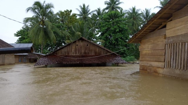 Ratusan KK di Poso Terdampak Banjir (114235)