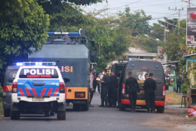 Benda Diduga Bom Ditemukan di Masjid Agung Nurul Yakin Kuala Pembuang (36418)