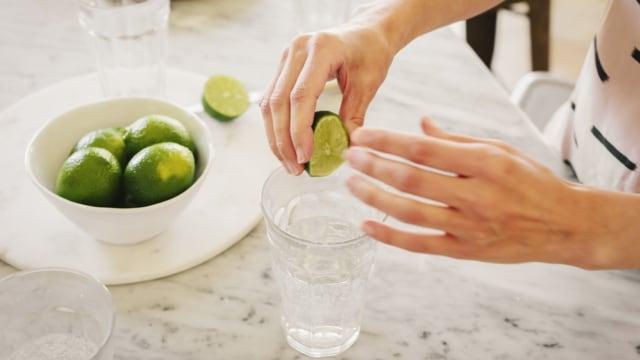 Manfaat Minum Air Jeruk Nipis bagi Ibu Hamil (9347)