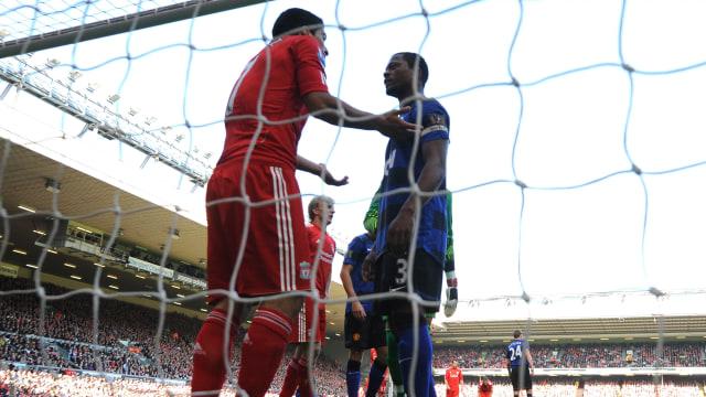 9 Tahun Berlalu, Evra Ungkap Dapat Permohonan Maaf dari Liverpool (600319)