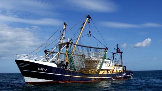 Ilustrasi kapal penangkap ikan