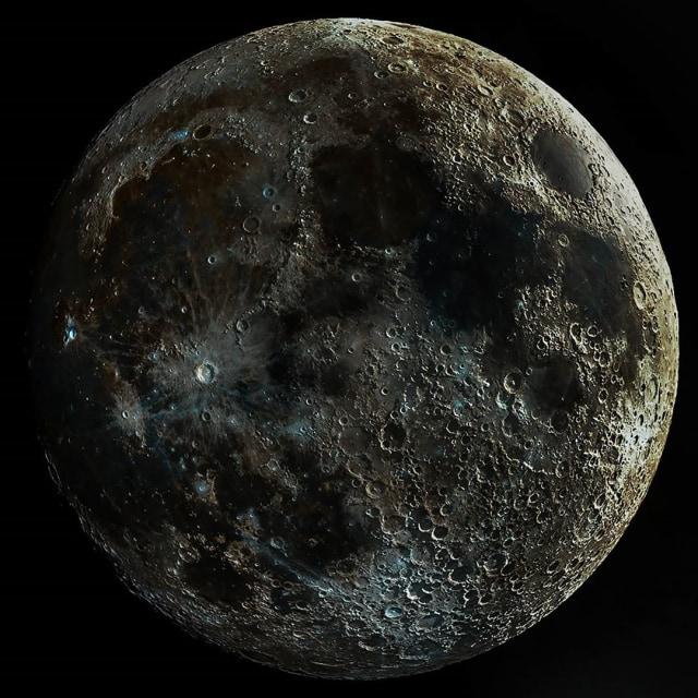 Melihat Indahnya Foto Bulan Paling Jelas di Dunia (12637)