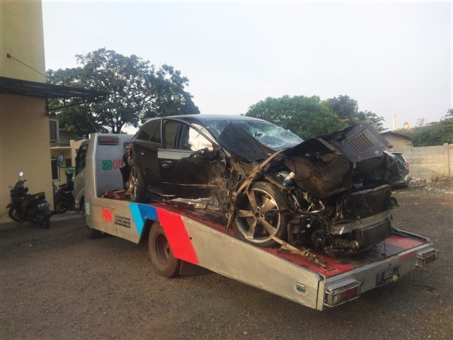 Banyak yang Belum Tahu, Ada Mobil yang Mesinnya Dirancang Lepas Saat Kecelakaan (477026)