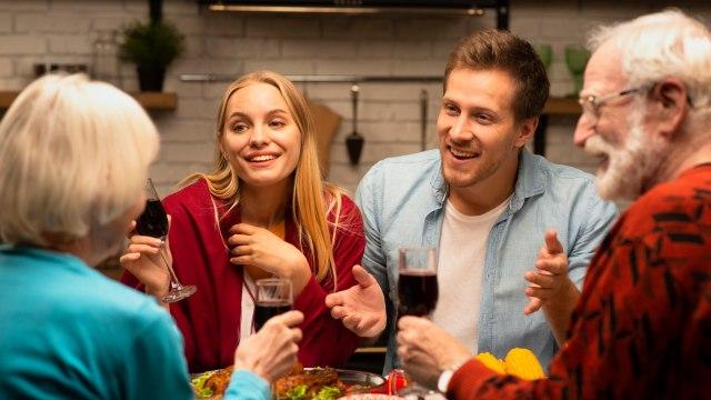 5 Tanda Orang Tua Pasangan Tak Menyukaimu dan Cara Mengatasinya (565050)