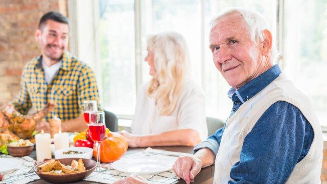 5 Tanda Orang Tua Pasangan Tak Menyukaimu dan Cara Mengatasinya (565051)