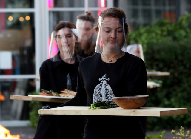 Social Distancing, Restoran di Belanda Bikin Konsep Makan Malam dalam Rumah Kaca (508630)