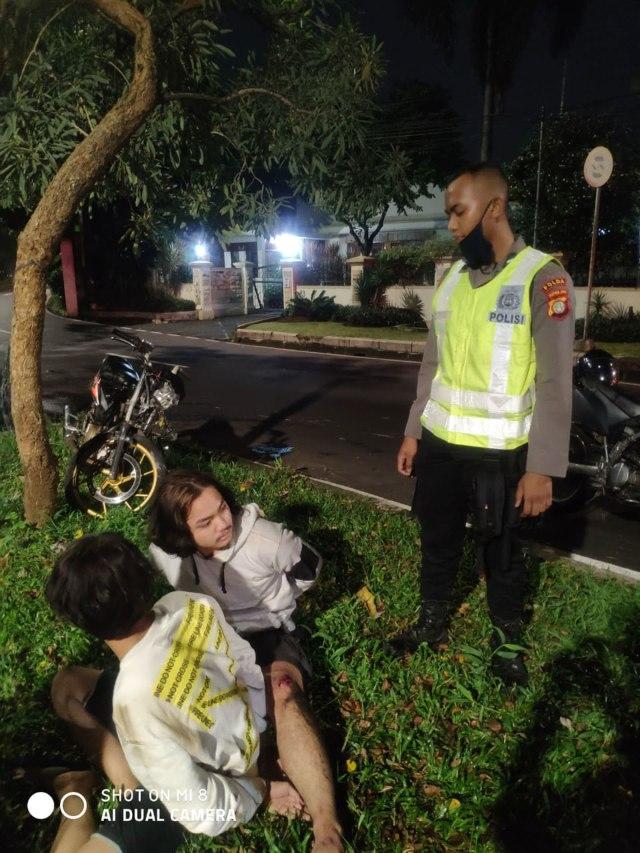 PTR - Kecelakaan antara pemuda dan anggota Ditsamapta PMJ