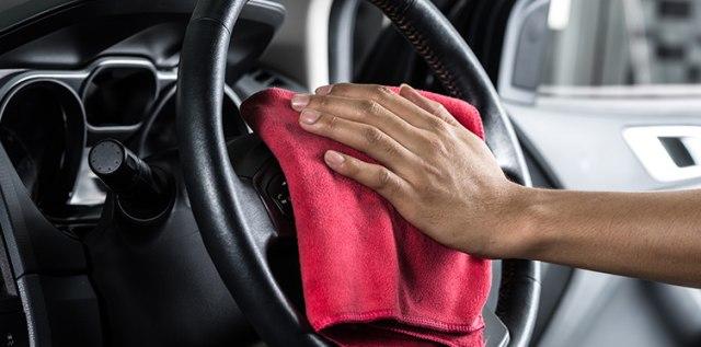 Pahami Pentingnya Bersihkan Mobil Sebelum Diparkir Lama Selama PSBB (669)