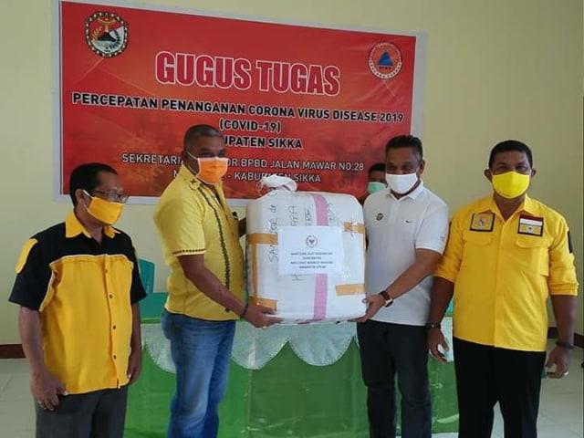 Melchias Mekeng dan Yayasan Bapa Bangsa Bantu Pemkab Sikka Perangi COVID-19 (218239)