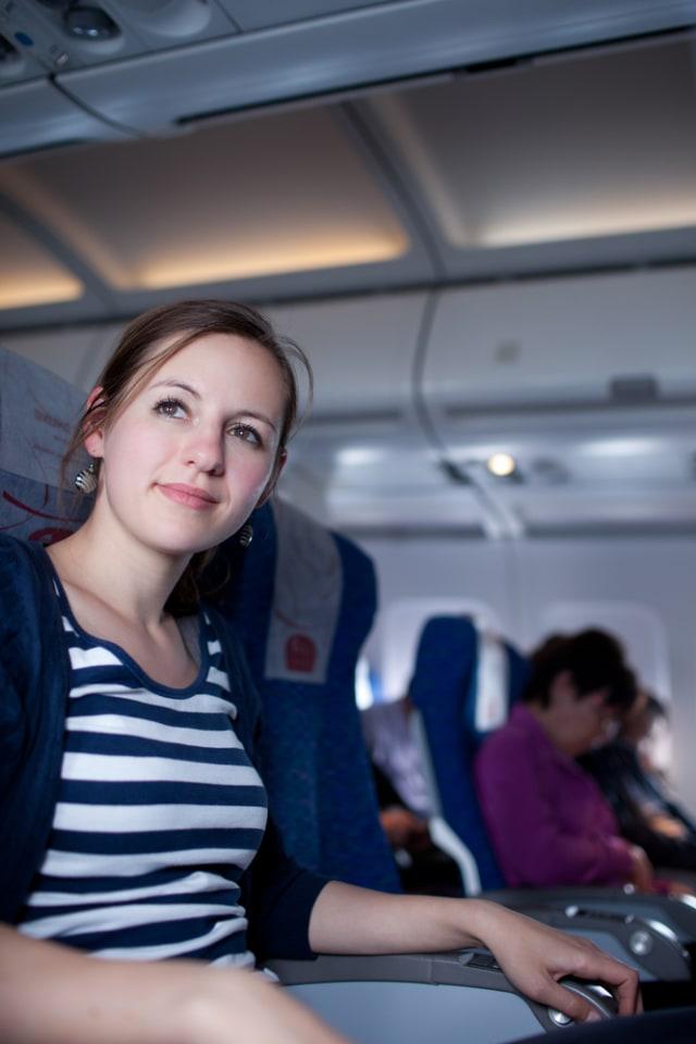 Alasan Sebaiknya Tak Melepas Seat Belt di Pesawat Meski Tanda Pengaman Dimatikan (609393)