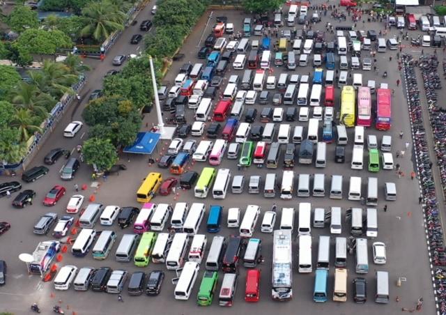 Penangkapan 202 travel gelap oleh Ditlantas Polda Metro Jaya
