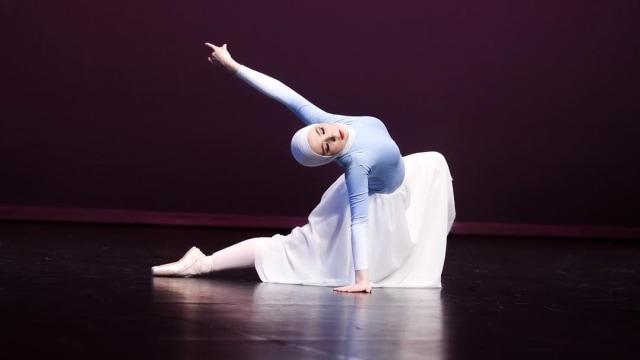 Kisah Inspiratif Stephanie Kurlow, Balerina Berhijab Pertama Dunia (1282048)