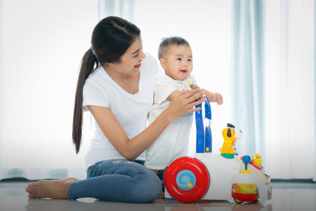 Bayi Latihan Berjalan dengan Baby Push Walker, Apa Manfaatnya? (232847)