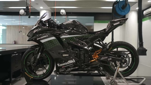Modifikasi Ninja 250 4-Silinder Carbon Fiber