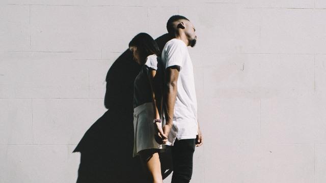 5 Tanda Pasanganmu Hanya Memanfaatkanmu tapi Tidak Mencintaimu  (584140)