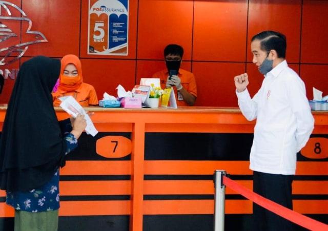 Bansos Tunai Rp 300 Ribu Disalurkan PT Pos Indonesia ke 10 Juta Keluarga (1)