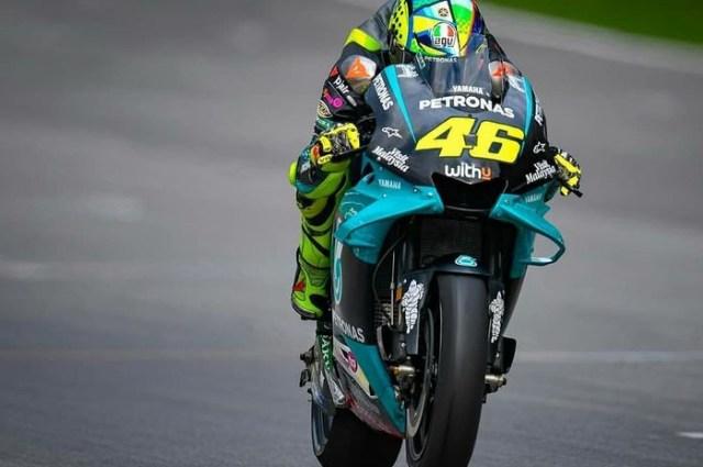 Balapan di MotoGP 2021, Valentino Rossi Dinilai Keliru oleh Eks Rival (4676)