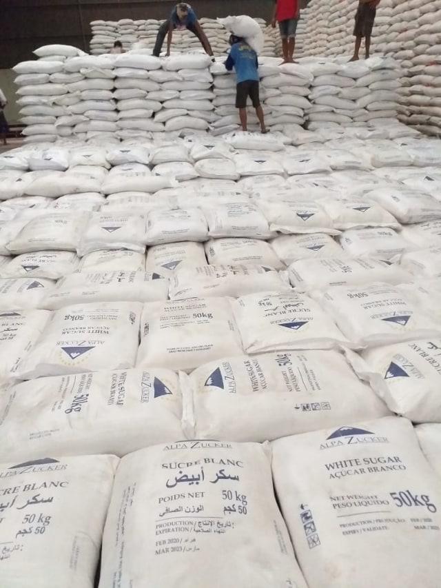 Harga Jual Anjlok, Pemerintah Wajibkan Importir Beli Gula Petani (65222)