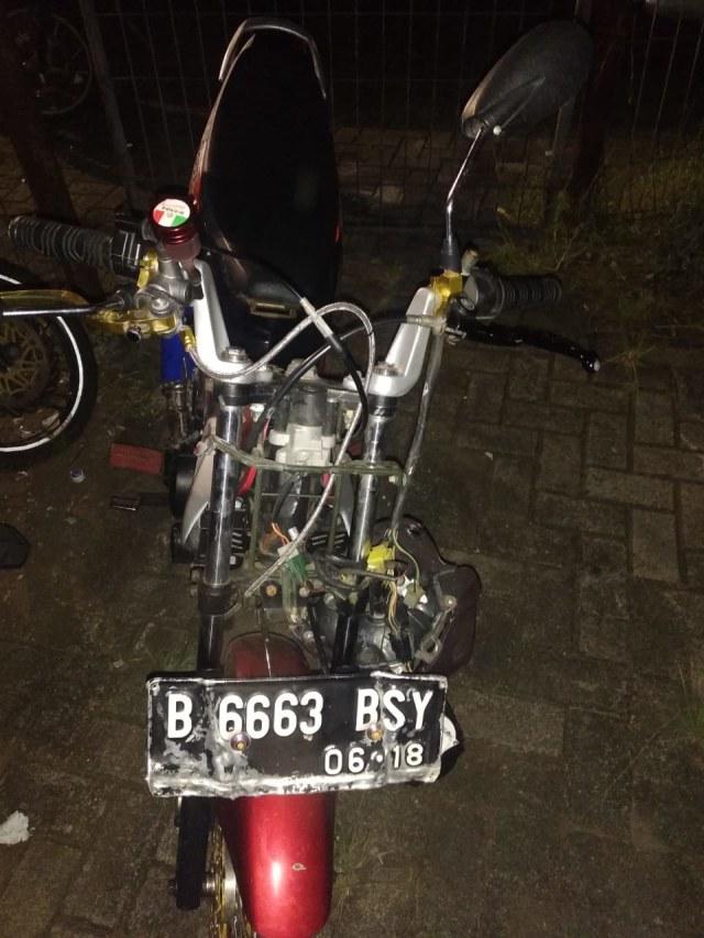 Motor yang menabrak warga, Cakung Jaktim